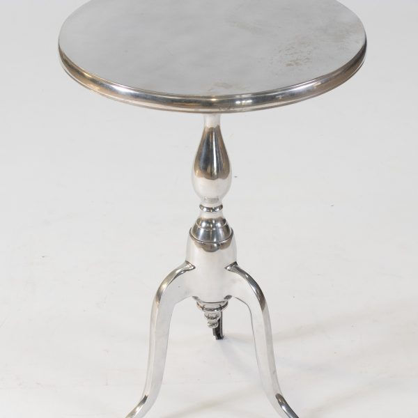Sorbonne side table in silver to hire