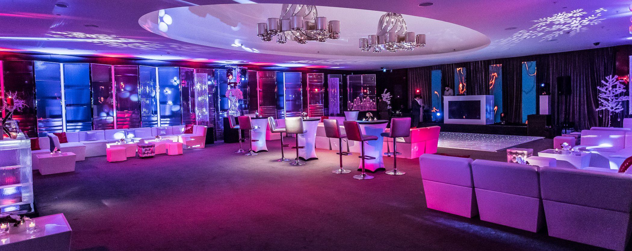 funky furniture hire : modular sofas and silver bar stool hire